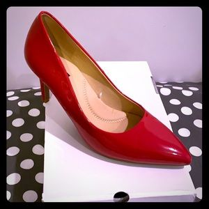 Red Patent Pumps 👠